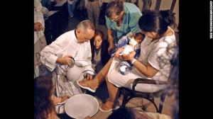Bergoglio-foot-washing